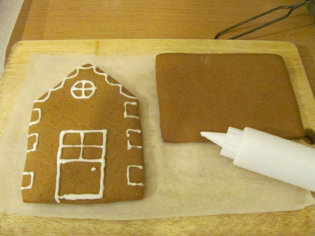 Vegan Christmas: Making A Gingerbread House